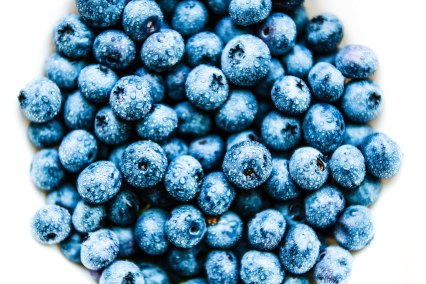 blueberries_white
